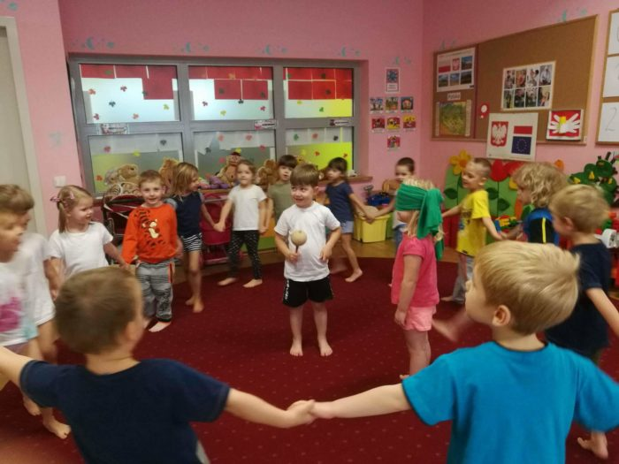 GRODZISK MAZOWIECKI - zabawy tradycyjne i gimnastyka